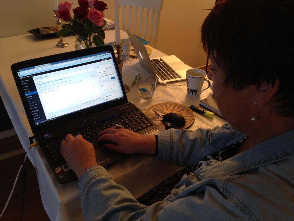 Elly testskriver i bloggen