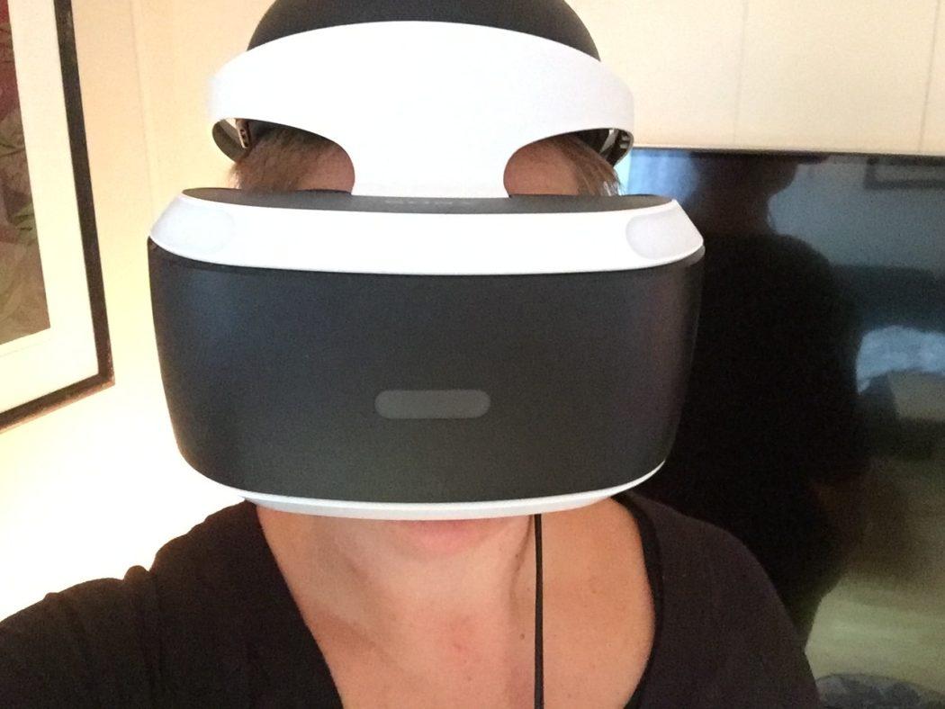Synne med VR utstyr.