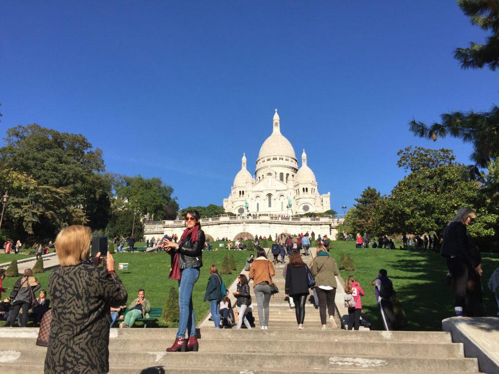 På vei opp til Sacré-Coeur